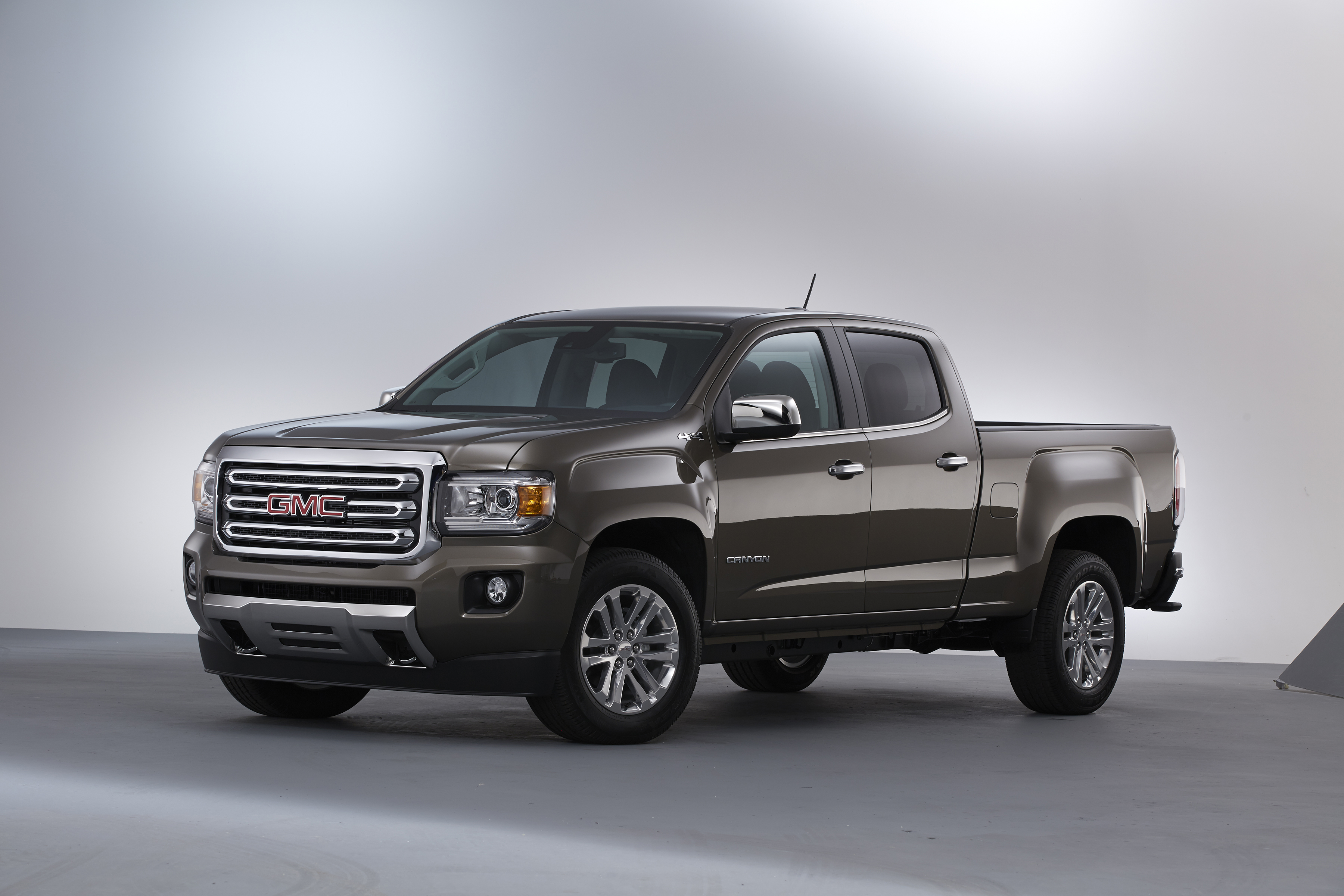 2015 gmc canyon the compact truck is back. Black Bedroom Furniture Sets. Home Design Ideas