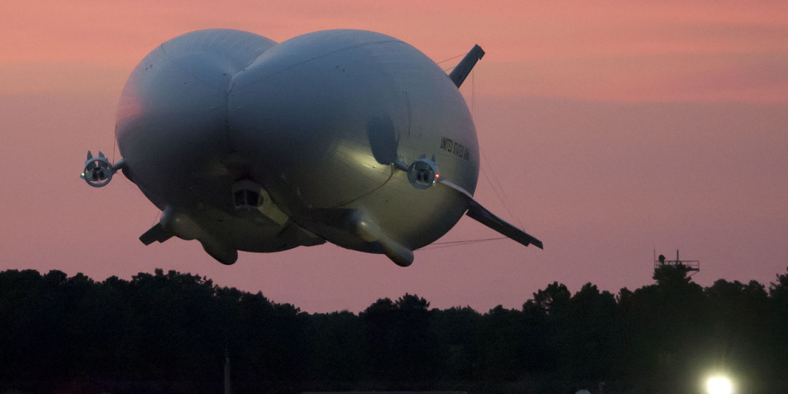 The World S Largest Airship May Soon Fly Once More