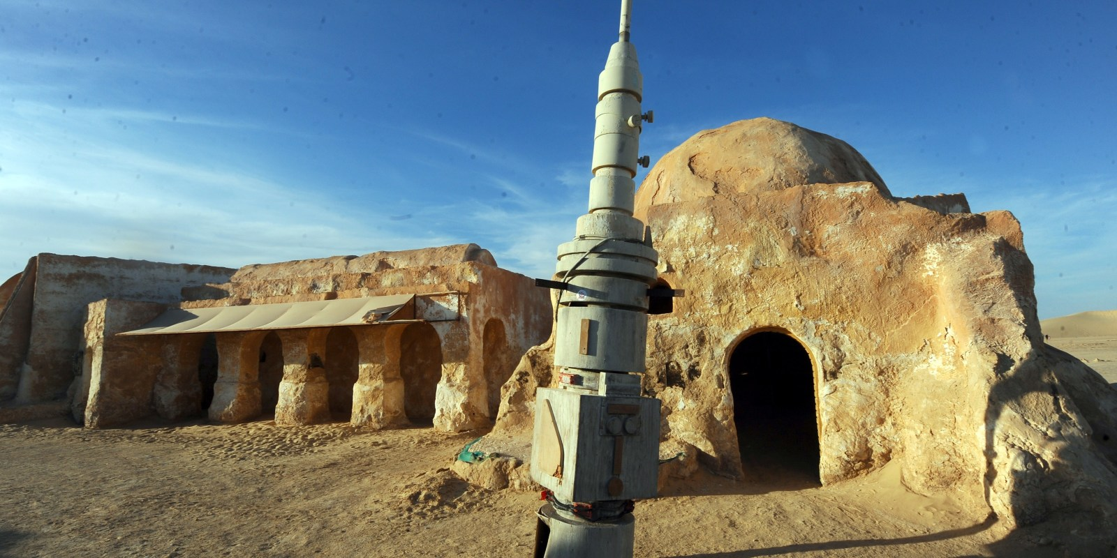 the real life tatooine is under siege by isis