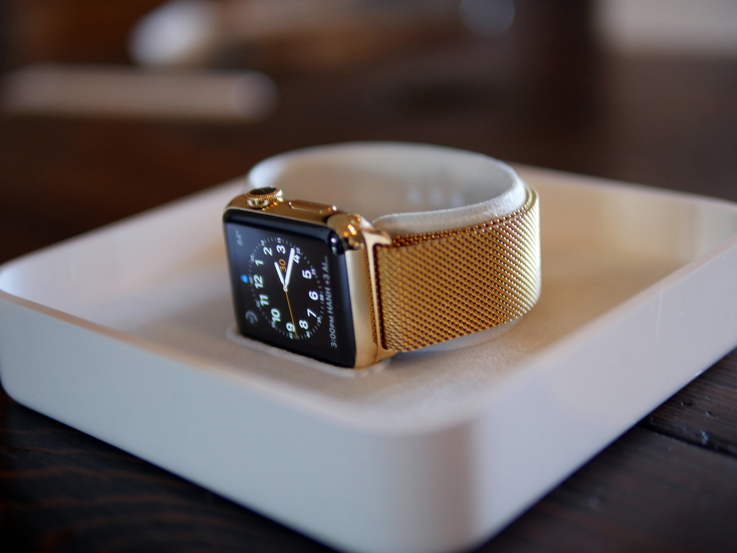 How to Get a Gold Apple Watch Without Spending $10,000