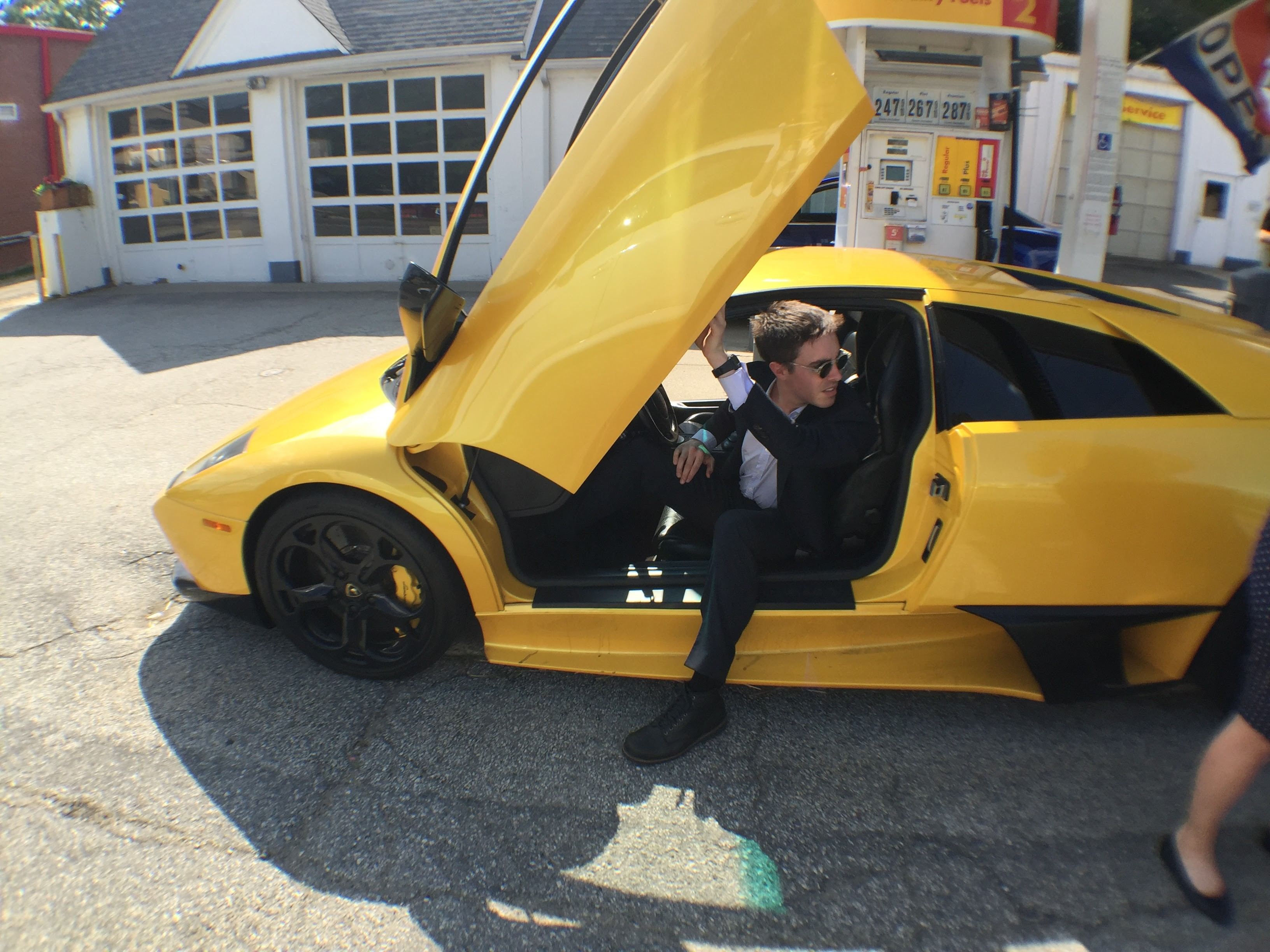 What It S Like To Drive Stupidly Fast And Expensive Cars