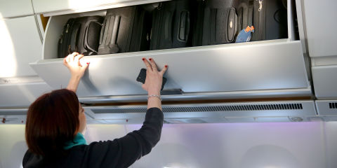 United Airlines To Charge Extra For Overhead Bins