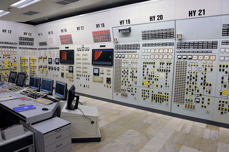 19 of the Most Beautiful and Complex Control Panels