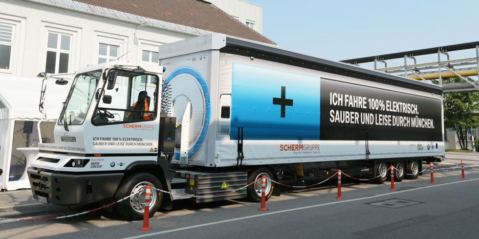Here Is Bmw S 40 Ton Electric Semi Truck