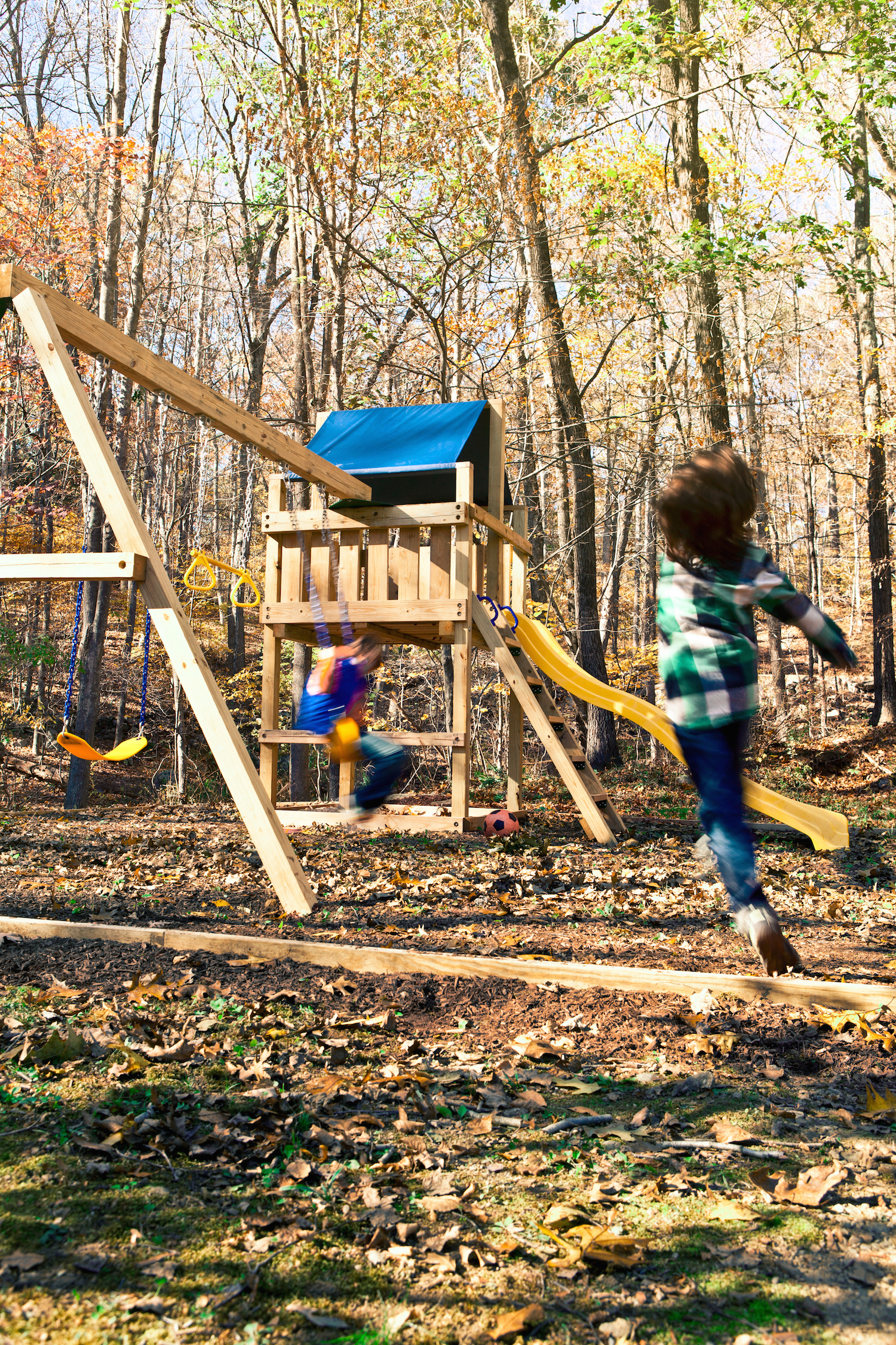 Easy wooden swing set plans how to build a swing set for - Backyard swing plans photos ...