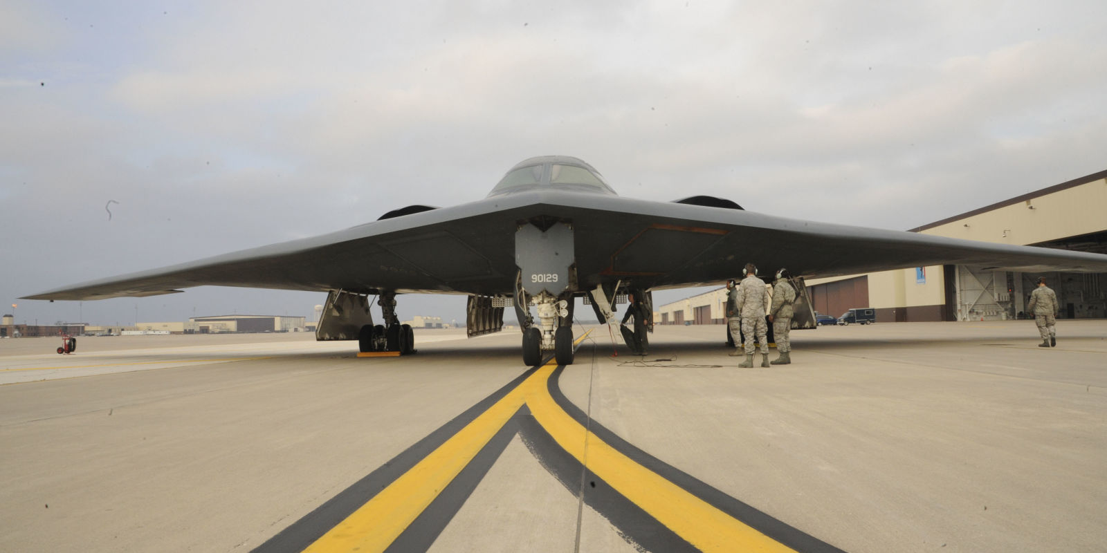 beyond the b 2 america 39 s next stealth jet. Black Bedroom Furniture Sets. Home Design Ideas