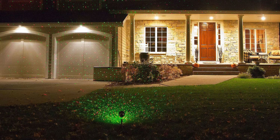 Your Christmas Light Lasers Run the Risk of Blinding Pilots