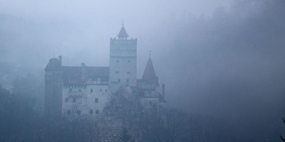 Count Dracula's Castle Is Up for Sale (popularmechanics.com)