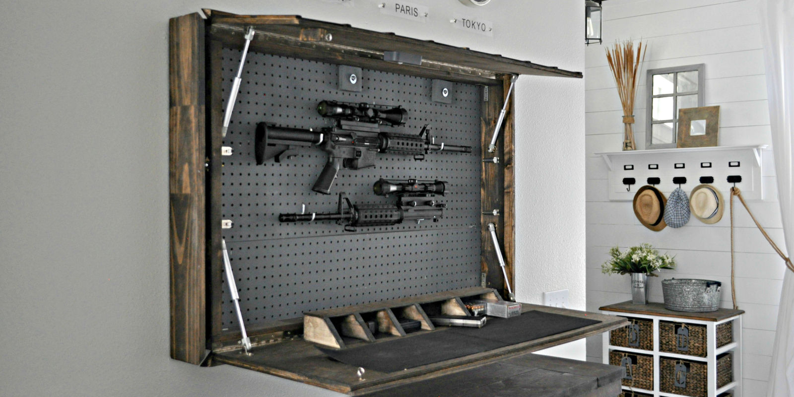 Fotos - Hidden Gun Cabinet Plans