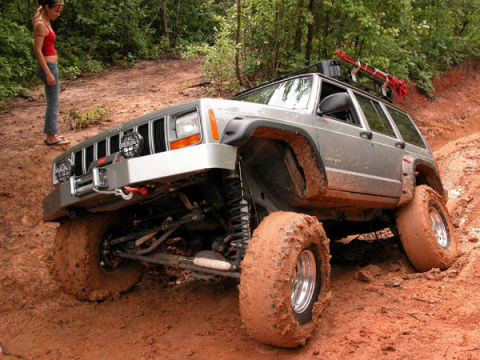 Get TrailSavvy With These 7 OffRoad Driving Tips