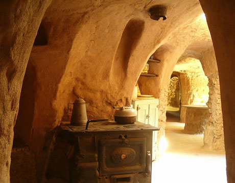 kitchen cave home at forestiere underground gardens fresnoCave Homes   Cave Houses   Living in Caves of Underground Cave Home