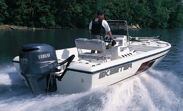 Honda And Yamaha Four Stroke Outboard Bass Boat Motors