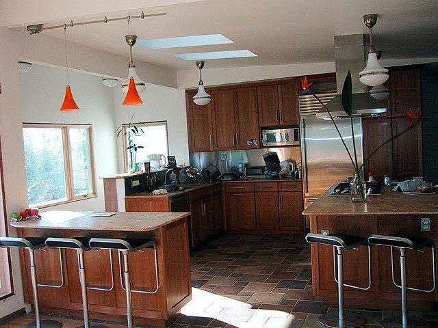 Ways to Keep Kitchen-Remodeling Costs Down