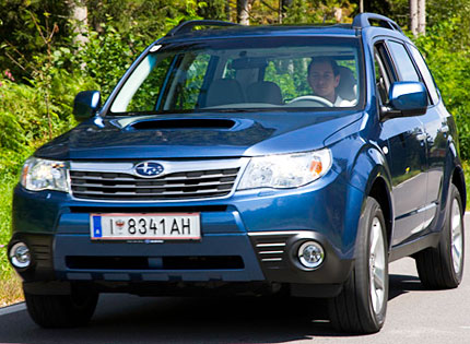 2009 subaru forester diesel test drive 37 mpg crossover right for america. Black Bedroom Furniture Sets. Home Design Ideas