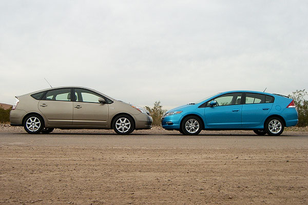 2010 Honda Insight Takes On 2009 Toyota Prius Exclusive Hybrid