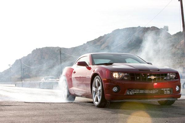 2010 Camaro SS vs 2010 Ford Mustang GT vs 2009 Dodge Challenger R