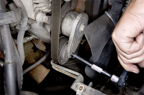 How To Change A Serpentine Belt Replacing Serpentine Belt