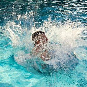 Pool Water Splash physics of a cannonball splash - how to make the biggest splash