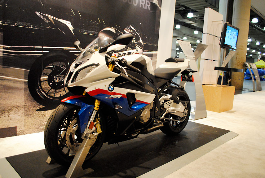 live pictures from ny international motorcycle show - 2011 new