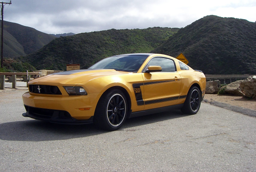 2012 ford mustang boss 302 test drive ford mustang boss 302 review. Black Bedroom Furniture Sets. Home Design Ideas