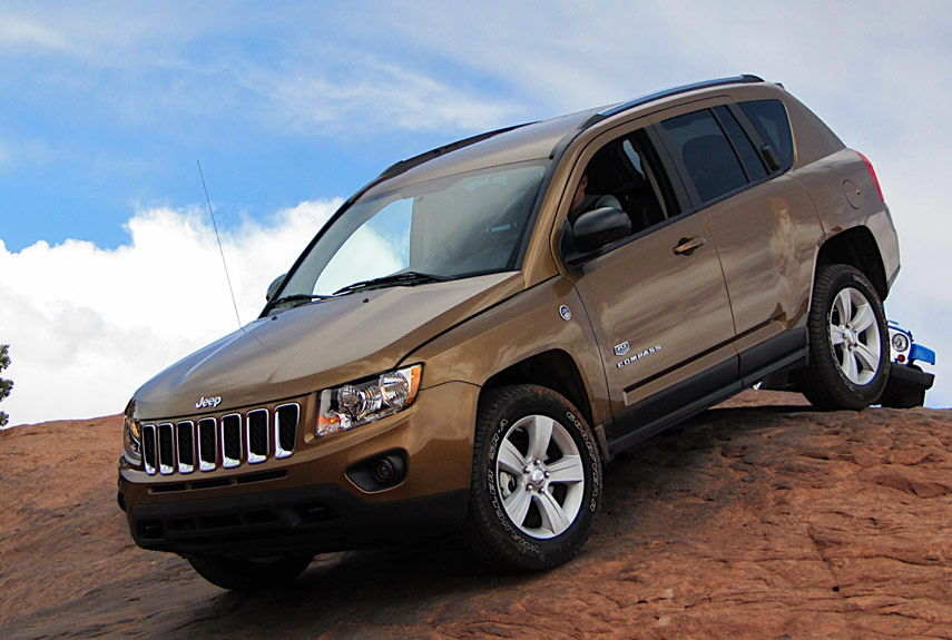 2011 jeep compass pictures jeep compass photo gallery. Black Bedroom Furniture Sets. Home Design Ideas