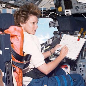 nasa female pilot - photo #25