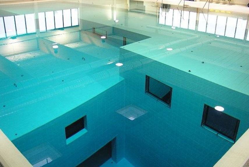 Really Cool Swimming Pools the world's 18 strangest pools