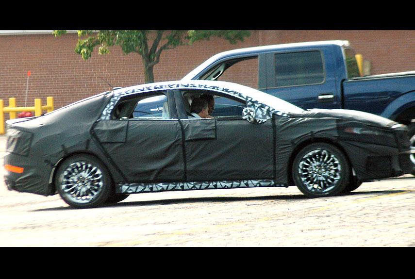 2014 lincoln mks car spy. Black Bedroom Furniture Sets. Home Design Ideas