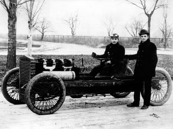 Jan. 12 1904 & The Need For Speed: A Timeline of Notable Land Speed Records markmcfarlin.com