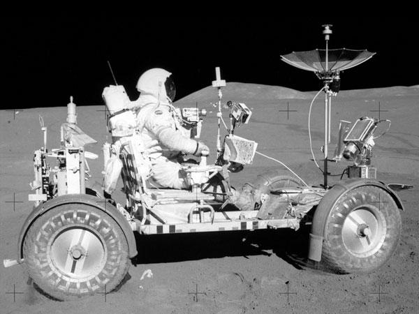 Objetos que fueron dejados en la Luna el satelite natural