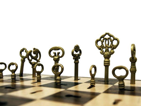9 Bizarrely Beautiful DIY Chess Sets