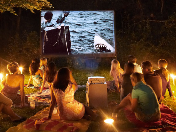 How to Build a Backyard Cinema