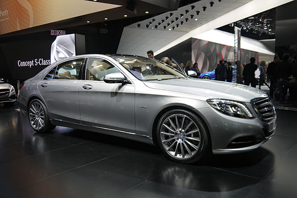 Detroit 2014 v 12 adds top shelf panache to 2015 mercedes for Mercedes benz s600 2014