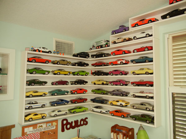 what a collection of 1000 plus die cast cars looks like. Black Bedroom Furniture Sets. Home Design Ideas