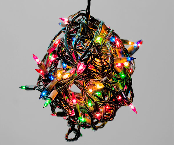 How To Hang Outdoor Christmas Lights - Tips For Putting Up ...