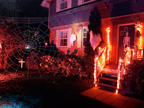 claude charleboisgetty images - Pictures Of Halloween Decorations