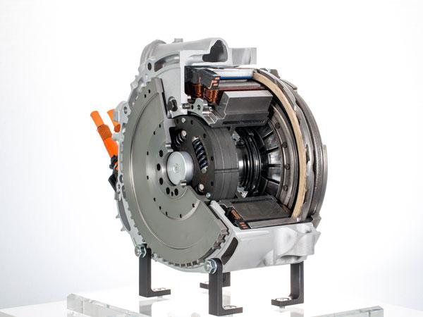 4 of 13 - Porsche 918 Spyder Engine
