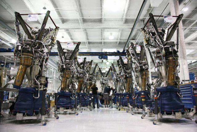 L'industrie sapatial et le Taylorisme 54cadfb635731_-_spacex-factory-06-0112-lgn-87860333