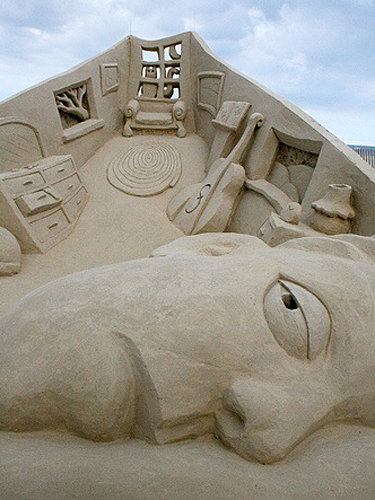 how to build a sand sculpture