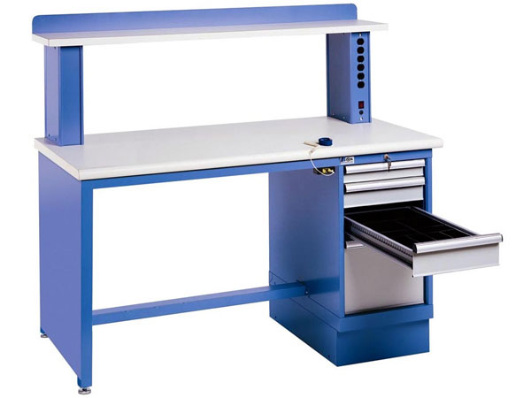 Electronic Technician Work Benches : Build your ultimate electronics workstation