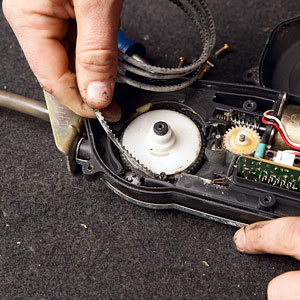 4 steps to fix that pesky car radio antenna step 2 dissect and diagnose