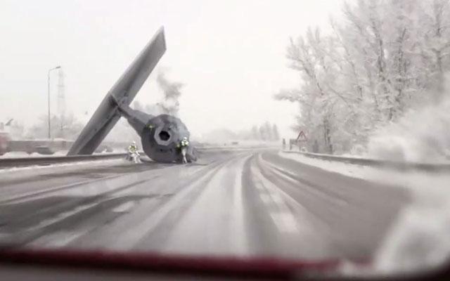 Dash Cam Captures Tie Fighter Crash On A Snowy Highway