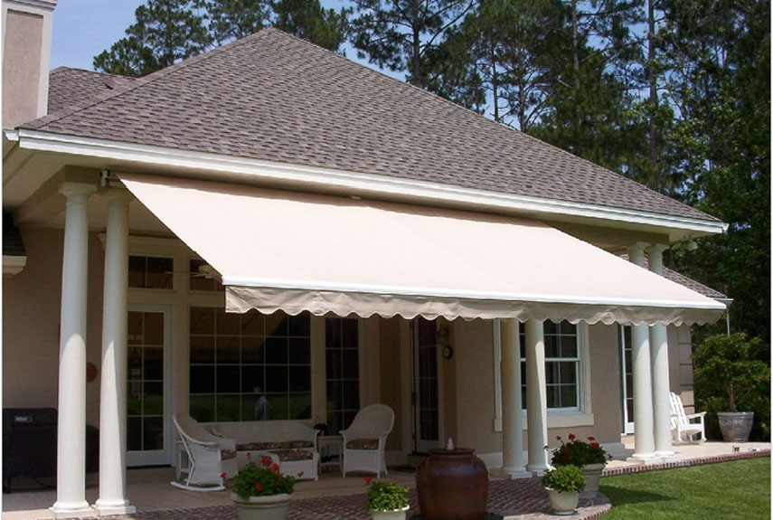 4 Retractable Awning